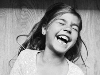 ευτυχισμενο παιδι