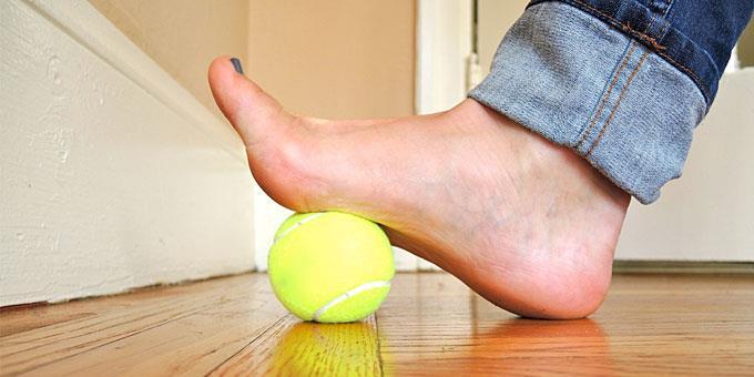 Πολεμήστε τον πόνο με ένα… μπαλάκι του τένις