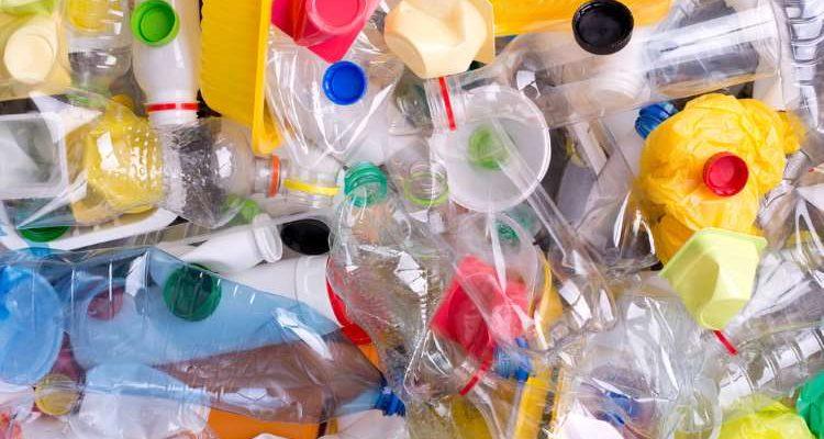 Γιατί αξίζει να βγάλετε από τη ζωή σας το πλαστικό