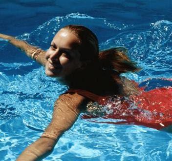 Πώς θα καταλάβετε αν η θάλασσα που κολυμπάτε είναι καθαρή
