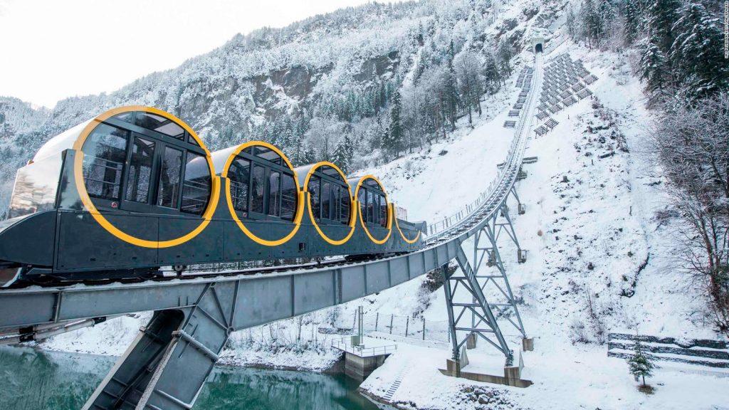 Στην Ελβετία το πιο απότομο τελεφερίκ στον κόσμο